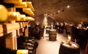 Innenansicht Weinkellerei Lehmen in Zell an der Mosel
